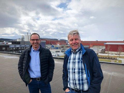 MER TEKNOLOGI: Fra Norges tredje største industripark skal Vegard Saur (til venstre) og Per Anders Folladal i Proneo senke terskelen for å ta i bruk ny teknologi i trønderske industribedrifter.