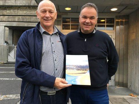 KLARE: Michel Horacsek i Topro (t.v.) og Arne Evensen i Fjellhallen er klare til å arrangere tidenes første elektromesse i Gjøvik.
