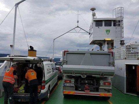 Norsk Folkehjelp deltok i søket på vestsida. Her fra turen over Randsfjorden.