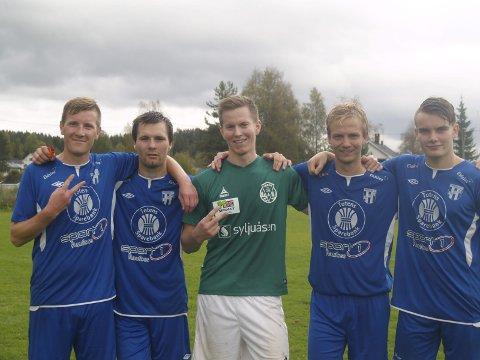 Målscorerne: Vardes Mikael Strandvik (2) omflankes av (fv.) Pål Brandvold (2), Sebastian Hjelmtvedt, Marius Nordhagen og Markus Landgraff.