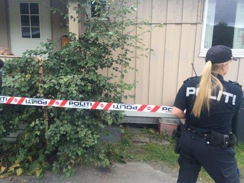 Avdødes hus på Dokka er nå sperret av.