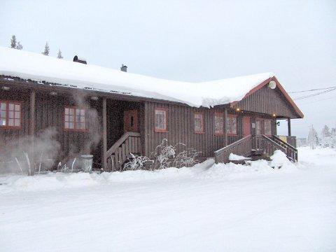 Skihytta på Snauhaug på Østsinniåsen er åpen i helgene. lørdger og søndager.