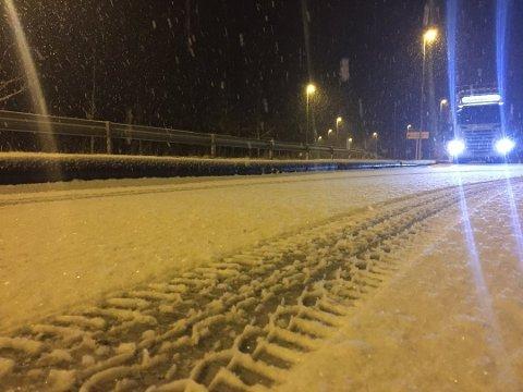 SNØ: I fjor falt den første snøen 24. oktober, her fra Rv. 4 over Lygna.