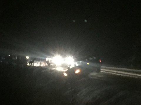 Flere biler har sklidd i grøfta langs Fylkesveg 247.