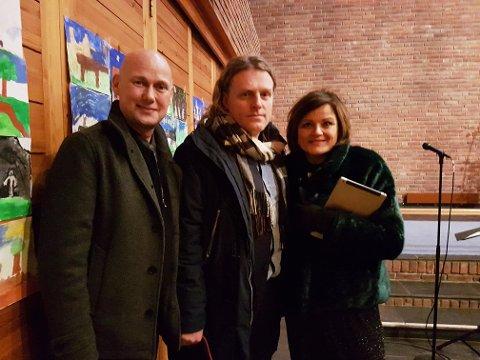 KOSELIG I KIRKA: Hans Espen Gihle, Trond og Igvil Nagell Dahl synes det er koselig å synge i kirka.