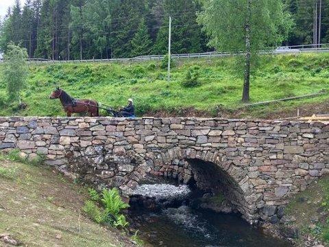 RESTAURERT: Skjærenbrua som ligger langs Den Vestre Trondhjemske Kongeveg over Totenåsen er nå ferdig restaurert.