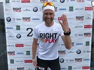 Jimmy Vika skal løpe maraton på Gjøvik onsdag, og håper mangfe gjøvikensere stiller opp og løper noen kilometer til inntekt for Right To Play's innsamlingsaksjon.