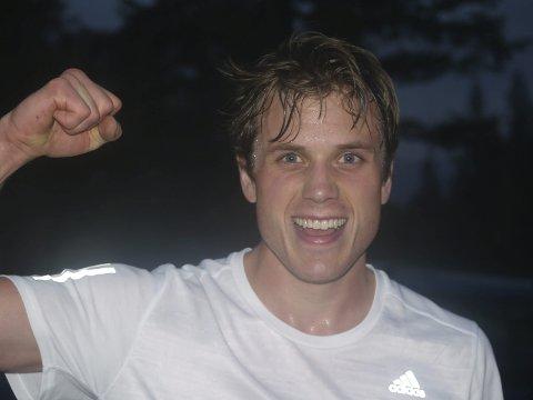 Årets totalvinner: Eivind Flugstad Østberg var førstemann opp til Lauvhøgda i den lengste løypa i årets siste løp i GT-karusellen, og den sympatiske idrettsmannen fra en flott idrettsfamilie var bare drøye halvminuttet bak løyperekorden.                                                                                                                                                                                                   foto: hans ove Danielsen
