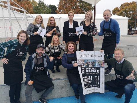 FESTIVALANSVARLIGE: Festivalsjef Line Kildal har med seg en stor stab for kunne gjennomføre den store festivalen.