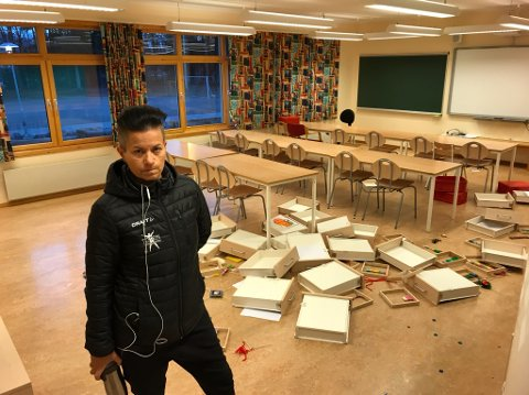 DYRT: Rektor Kristin Skibenes anslår at kostnadene etter skadene etter hærverket ved Skrinnhagen skole vil bli flere hundre tusen kroner.