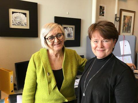 PLASS: Barnehagesjef Kirsten Aune og rådgiver Mette Laila Østvold jobber med barnehageopptaket i Gjøvik. (Arkivbilde)