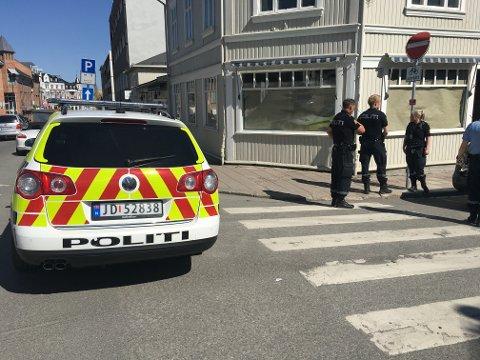 Storgata ble sperret av i forbindelse med en situasjon i Gjøvik sentrum onsdag ettermiddag.