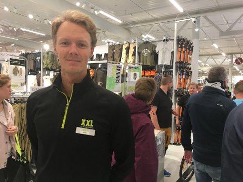 FORNØYD: Daglig leder Sondre Unnestad mente åpningsdagen på XXL i Gjøvik var over all forventning.