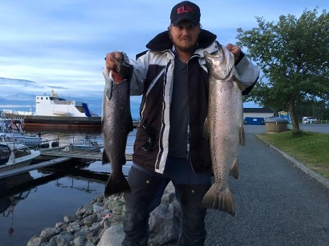 Jørn Lunn Olsen med sin punding på 6,44 kilo og 3 kilosørret.