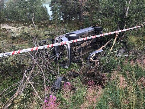 HELL I UHELL: Politiet opplyser at ingen kom til skade i denne utforkjøringen langs fv. 51 over Valdresflye lørdag.
