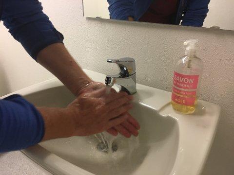 HUSK GOD HÅNDHYGIENE: Som vanlig oppfordres folk til å ha god håndhygiene etter toalettbesøk, før matlaging og måltider for å forebygge infeksjoner som kan gi diaré.