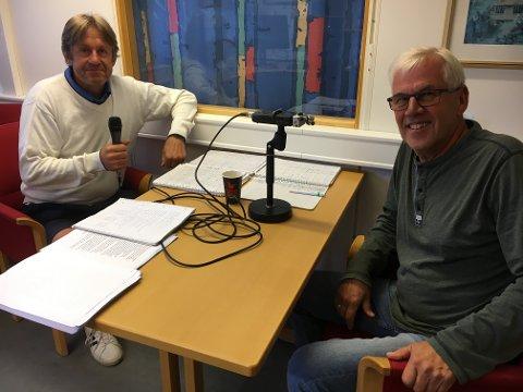 Arne Halvorsrud (t.h) og Knut Befring har laget jubileumspodcast om 100-åringen Raufoss idrettslag.