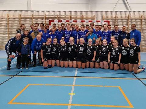 Fotballgutta i Reinsvoll og håndballjentene i HK Vestre som var samlet til showkamp i den nye idrettshallen på Reinsvoll mandag kveld.