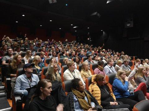All ungdom fra Innlandet var invitert til ungdomskonferansen Logg Inn på Gjøvik, og var delaktige under foredragene.