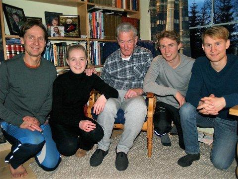 IDRETTSFAMILIE: Fra venstre: Sjur Langedal, Ingvyld Langedal Breivik, Erik Langedal, Eirik Langedal Breivik og Sigmund Langedal Breivik.