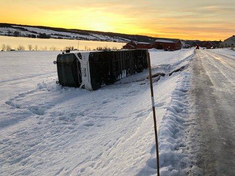 TO KLAGER: Det har kun kommet to klager på vintervedlikeholdet av vegen langs Einastranda så langt i årets sesong.