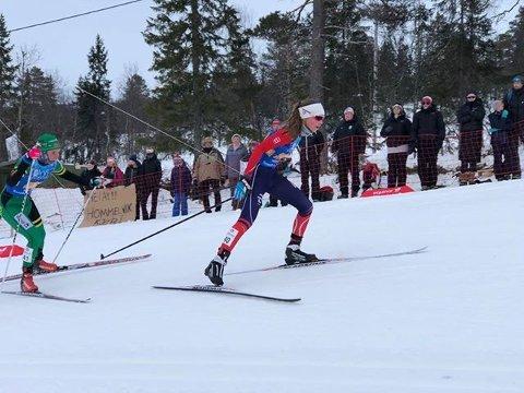 Ragna Fodstad på vei mot mål på den siste etappen.
