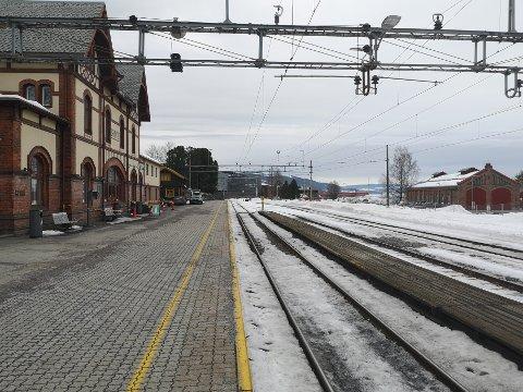UTBREDES: Det jobbes mot timesfrekvens på Gjøvikbanen. Da trengs det nye parkeringsplasser for togene.