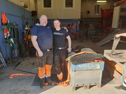 Tommy Reboli og Lars Jørgen Brennhagen klare for avreise til Svalbard.