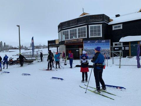 Torsdag var det yrende liv på skistadion på Beitostølen, hvor mange av deltakerne i veteran-VM benyttet anledning til å teste løypene.