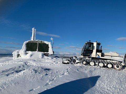 PÅ 1414: Synnfjellet kan friste med skiløyper helt opp på toppen av Spåtind 1414 meter over havet.