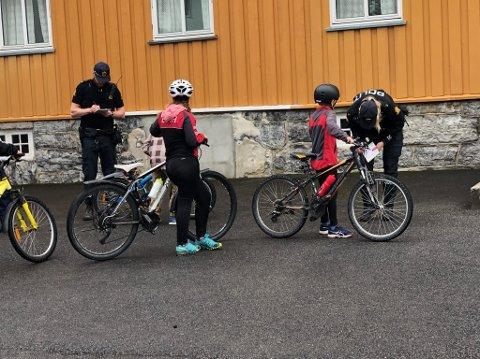 IMPONERT: – Jeg har besøkt blant annet Bøverbru skole, og ble imponert av elevens kunnskap om trafikksikkerhet, skriver politioverbetjent Bjørn Ingolf Slåtsveen.