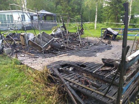 BRANN: Ingen personer skal ha vært i vogna da brannen startet.