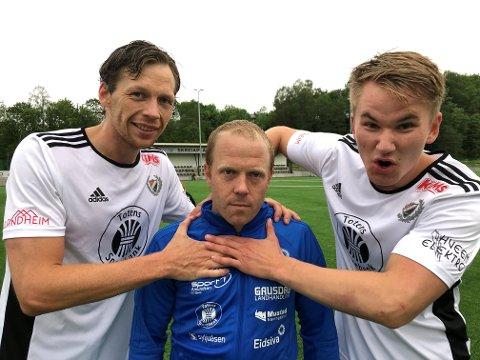 Vegard Jevne Framstad (t.h) og Hans Stenerud (t.v) sørget for at Skreia påførte Sondre Bjerkgården og Vardal sesongens første nederlag.