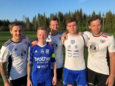 Simen Sønsteby (t.v) og Hans Stenerud (t.h) scoret to mål hver og Petter Haugen (midten bak) ett mål for Skreia mot Marius Borglund (f.v) og Håvard Drager på Reinsvoll 2.