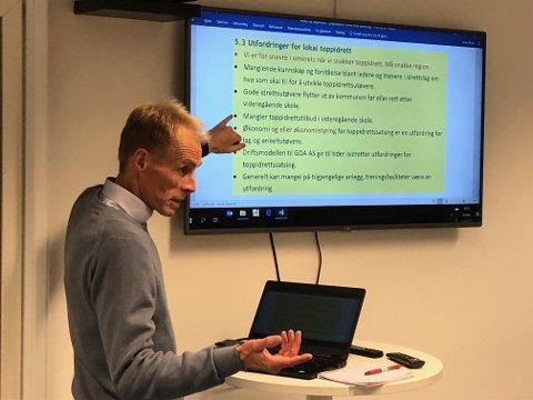 Arne Moen i Gjøvik kommune ba om innspill fra idrettslagene da han presenterte forslag til «Policy for toppidrett» i Gjøvik.