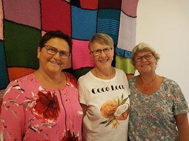 Damene fra Gjøvik Sanitetsforening gleder seg til å starte opp med Strikk og snakk onsdag 4. september, og ønsker deg hjertelig velkommen!