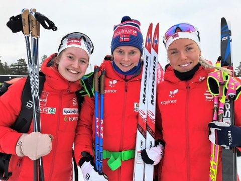 Mathilde Skjærdalen Myhrvold (i midten) er nærmere en plass til U23-VM enn Tuva Bakkemo (t.v) og Marte Mæhlum Johansen etter helgas tre medaljer i U23-NM på Lygna.