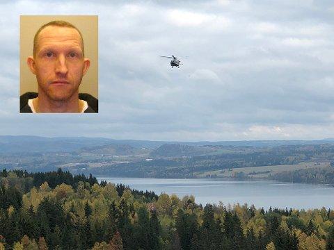 UKLART: Politihelikopter ble brukt i letingen etter Christian Berg (43) torsdag. Fredag formiddag vil ikke politiet kommentere om letingen fortsetter.