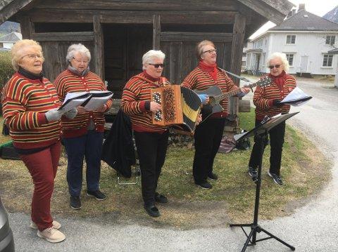 """""""Staben"""" fra Hallingdal kommer og synger og spiller søndag 4. oktober kl.13.00."""