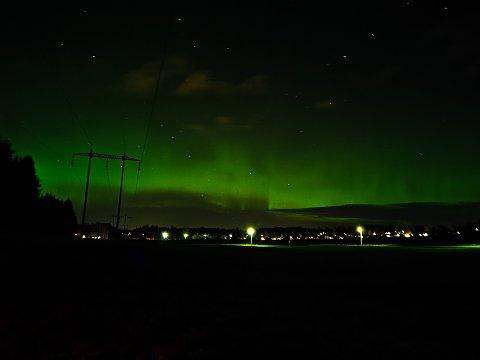 NORDLYS: Eller Aurora borealis fotografert på Reinsvoll lørdag kveld.