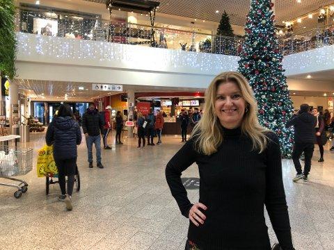 VIKTIG UKE: Senterleder Vibeke Askevold er spesielt spent på hvordan butikkene innen tekstil og sko gjør det denne uka.