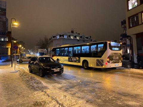 Glatte veier i Gjøvik.