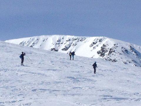 SPESIELLE FORHOLD: Mye vind og snø har ført til at rasfaren i Jotunheimen er på oransje nivå. Foto: Ingvar Skattebu