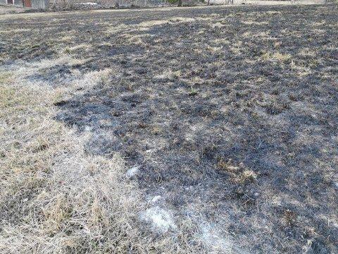 BÅLBRANN: Et stort område ble berørt da bålbrenning kom ut av kontroll på Brandbu.