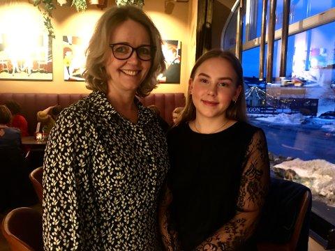 FEIRET KVINNEDAGEN: Varaordfører i Gjøvik kommune, Anne Bjertnæs og datteren Andrea Eidstuen.