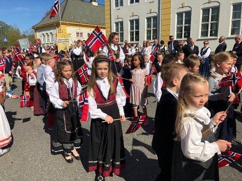 IKKE SLIK: 17. mai i Vestoppland blir ikke seende slik ut, som den pleier. Samtlige kommuner har snekret sammen kreative programmer for dagen.
