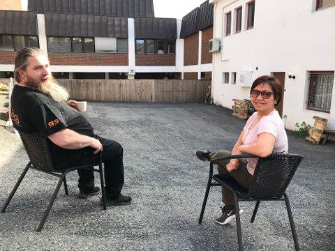 AVSTAND: Smittevern er fortsatt førsteprioritet når Kenneth Dahlby og Fanny Andriana ved Kaffka fredag kveld inviterer til nok en konsertsommer.