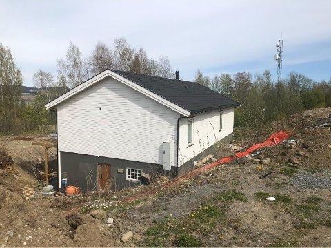 SOLGT: Denne boligen i Askjumlia i Nordlia er solgt for seks millioner i april