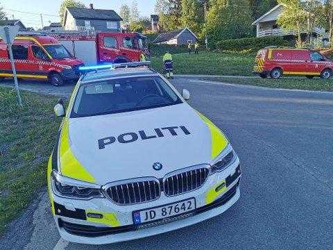 DØDSULYKKE: En mann i 60-åra omkom i en trafikkulykke på Grua søndag kveld.
