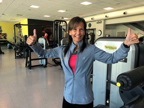 Monica Onsum Kvernvold jubler for endelig å kunne åpne dørene til treningssenteret igjen.